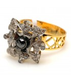 Vintage-style Screw-top Diamond Ring